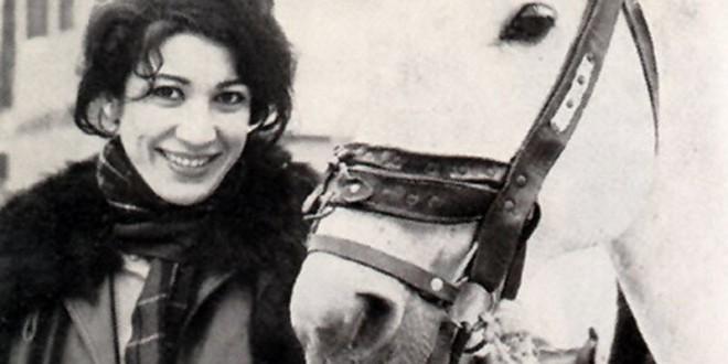 Forough-Farrokhzad-biographya-com-4