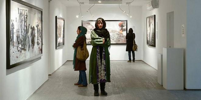 نگاهی به عکسهای آزاده اخلاقی-به روایت یک شاهد عینی