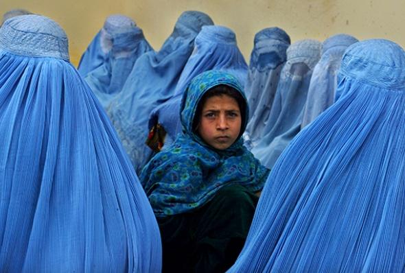 آشنایی با ادبیات و نویسندگان افغانستان