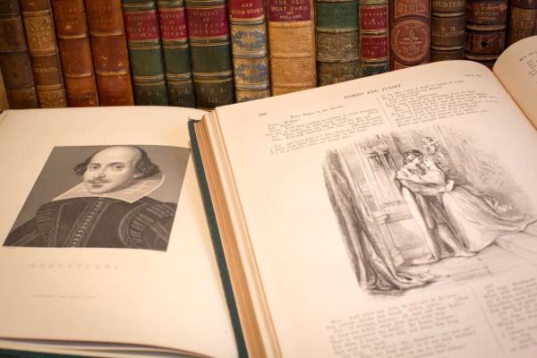 ادبیات انگلیسی؛ تاریخچه و معرفی بهترینهای آن